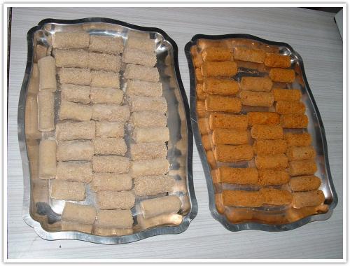 الخبز اليابس المهروس او المطحون 20061224-croquettes.jpg